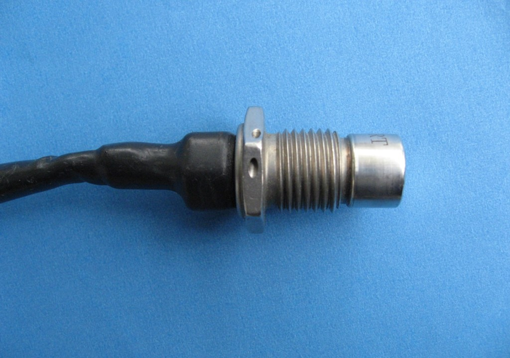 AE cartridge and wire